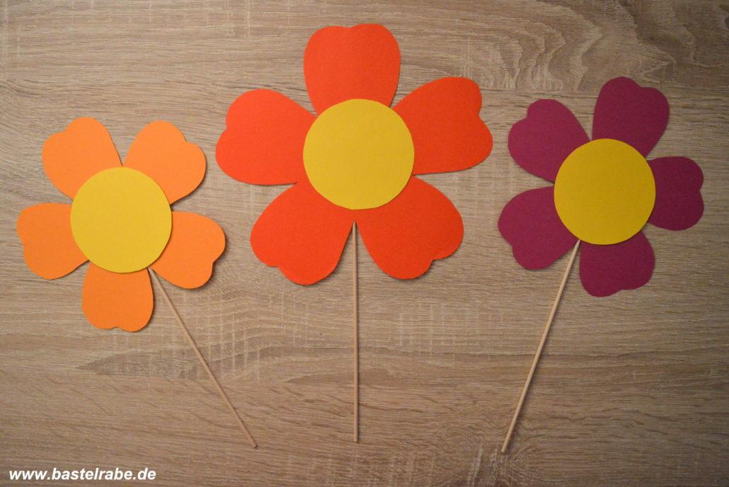 Blumen Basteln Mit Bunten Tonpapier Zum Blumenstrauß